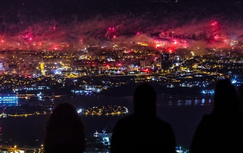 28.10.2020., Kozjak, Klis - Torcida je za svoj 70. rodendan napravila veliku bakljadu iznad grada tocno u ponoc. Photo: Miroslav Lelas/PIXSELL