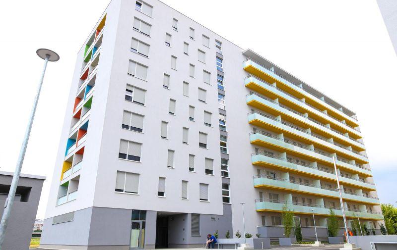 27.06.2016., Zagreb - POS-ove zgrade u naselju Zaprudje. Photo:Igor Soban/PIXSELL