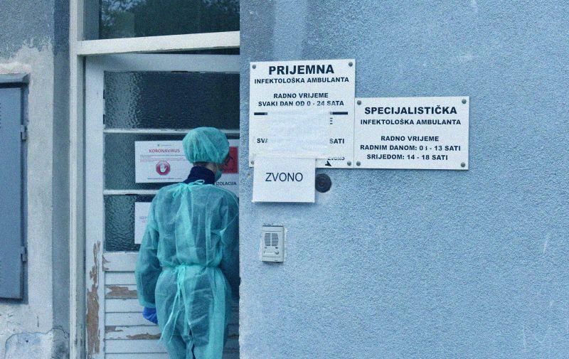 26.03.2020., Pula -  Pulska Opca bolnica -zarazni odjel, dolazak medicinskog vozila.  Photo: Dusko Marusic /PIXSELL