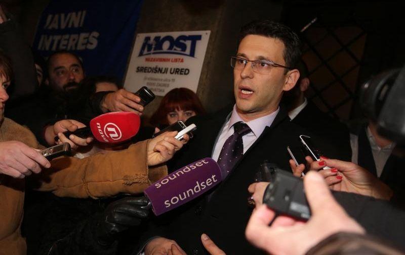 20.12.2015., Zagreb -  Celnik Mosta Bozo Petrov dao je izjavu za medije nakon pregovora s koalicijom Hrvatska raste. Photo: Grgur Zucko/PIXSELL