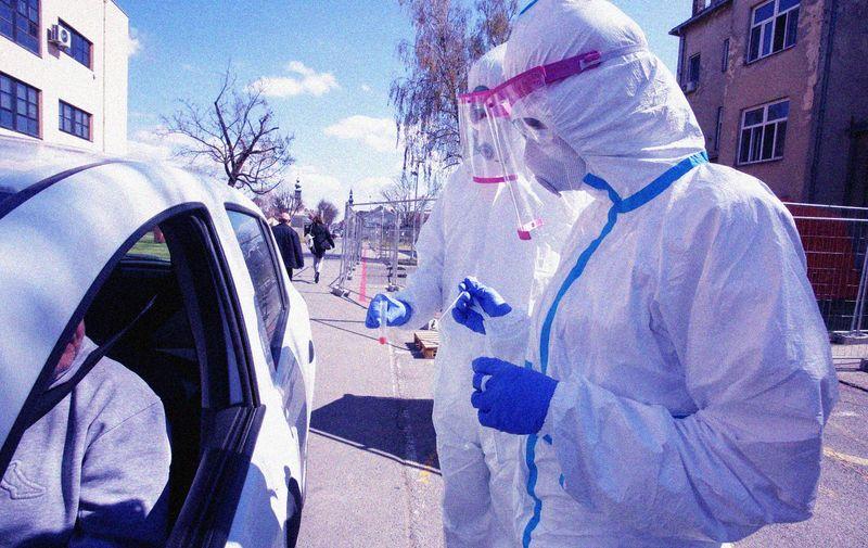 02.04.2020., Osijek - U KBC Osijek ''drive in'' testiranje na koronavirus nije novost. Prvog testiranog imali sui jos 01.02.2020. godine i na neki nacin su pioniri ovakve vrste testiranja. Photo: Dubravka Petric/PIXSELL