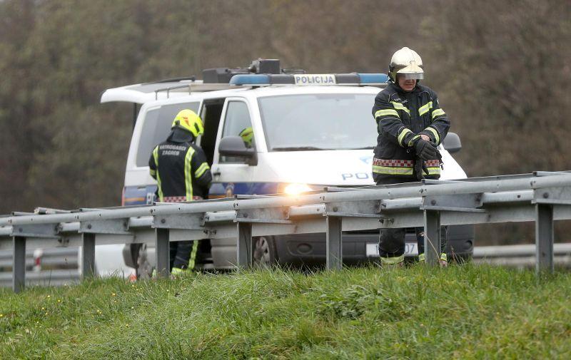 18.11.2018., Zagreb - Oko 13 sati u prometnoj nesreci na autocesti A1 kod izlaza Demerje u blizini Zagreba sudjelovalo je jedno vozilo. Jedna osoba je poginula, a druga je ozlijedjena. Policija obavlja ocevid. Photo: Igor Kralj/PIXSELL