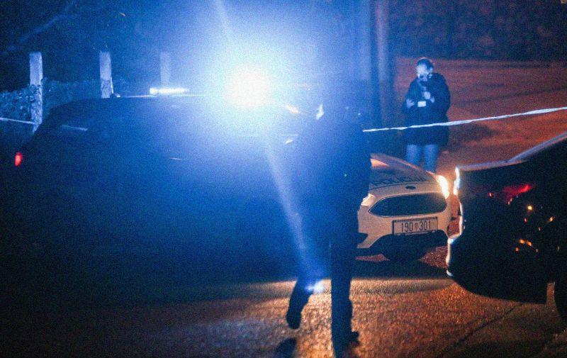 21.10.2020., Zagreb - Oko 20:20 policija je zaprimila dojavu o pronadjenom mrtvom tijelu u Oresju (Susedgrad). U stanu je osim mrtvog tijela pronadjen i tesko ozlijedjeni muskarac koji je takodjer ubrzo preminuo.  Photo: Marin Tironi/PIXSELL
