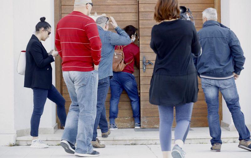12.04,2020. Split - U Crkvi na Sirobuji napadnuta novinarka koja je pratila misu koju je unatoc svim zabranama odrzao Don Josip Delas, zupnik Zupe sv. Leopolda Bogdana Mandica. Photo: PIXSELL