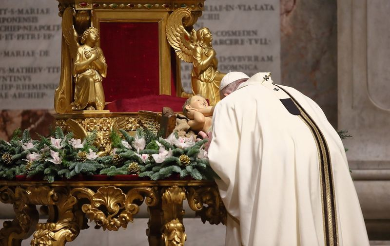 24/12/2020 Vatican City. Altar of the Chair. Holy Mass on Christmas Eve celebrated by Pope Francis.//GALAZKA_1.3630/2012250959/Credit:Grzegorz Galazka/SIPA/2012251001,Image: 578644022, License: Rights-managed, Restrictions: , Model Release: no