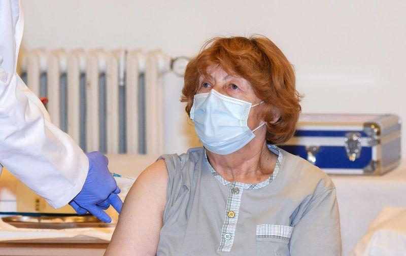 27.10.2021., Zagreb - Gospodja Branka Anicic primila je i trecu dozu cijepiva protiv korona virusa
