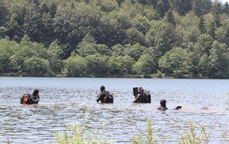 21.07.2013., Fuzine - Potraga za utopljenikom u jezeru Bajer. Ronilacka specijalna policija trazi muskarca koji je nestao u jezeru.  Photo: Goran Kovacic/PIXSELL