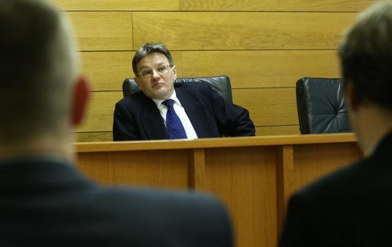 Suđenje protiv osam banaka, Trgovački sud, 1. ožujka 2013., sudac Radovan Dobronić