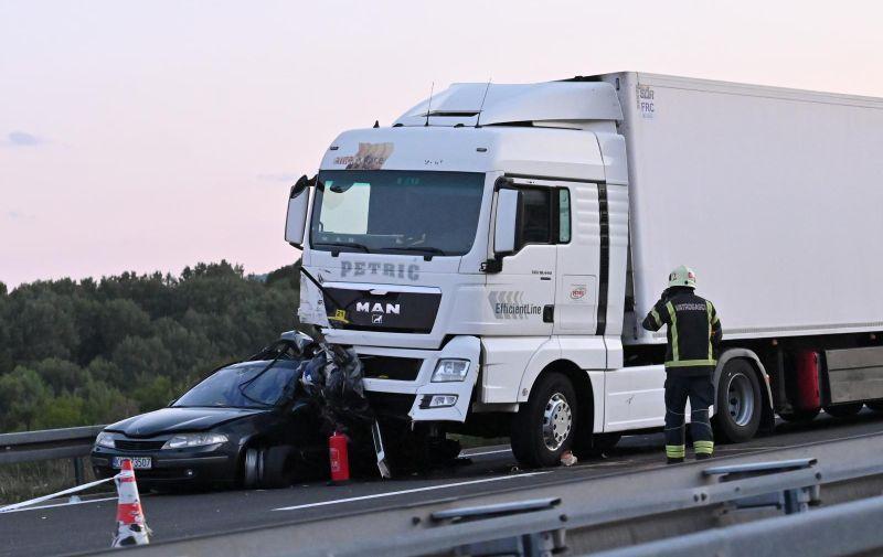 06.09.2021., Brinje - U teskoj prometnoj nesreci na autocesti A1 kod cvorista Brinje smrtno je stradalo dijete.  Photo: Dino Stanin/PIXSELL