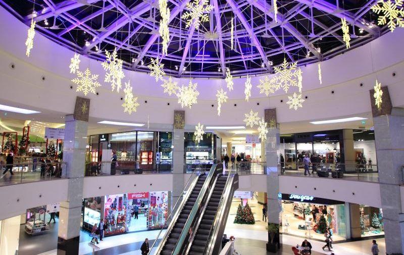 19.12.2011., Zagreb - Sest dana do Bozica. Kupnja poklona u Shopping centru Arena, ilustracija. Photo: Zeljko Lukunic/PIXSELL