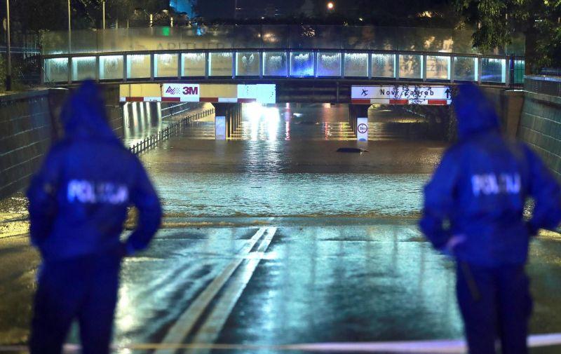 24.07.2020, Zagreb - centar grada. Velika i jaka kisa uzrokovala mnostvo poplava te stvorila probleme u prometu. Photo: Sanjin Strukic/PIXSELL