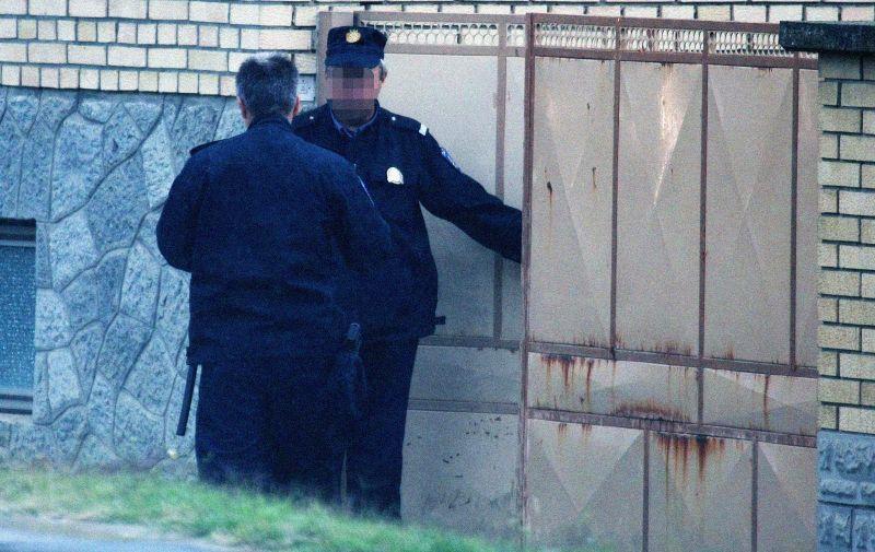 28.08.2013., Petrijevci - Policija od ranog jutra u pretrazuje kucu osumnjicenog ubojice Josipa Antolovica. Photo: Davor Javorovic/PIXSELL