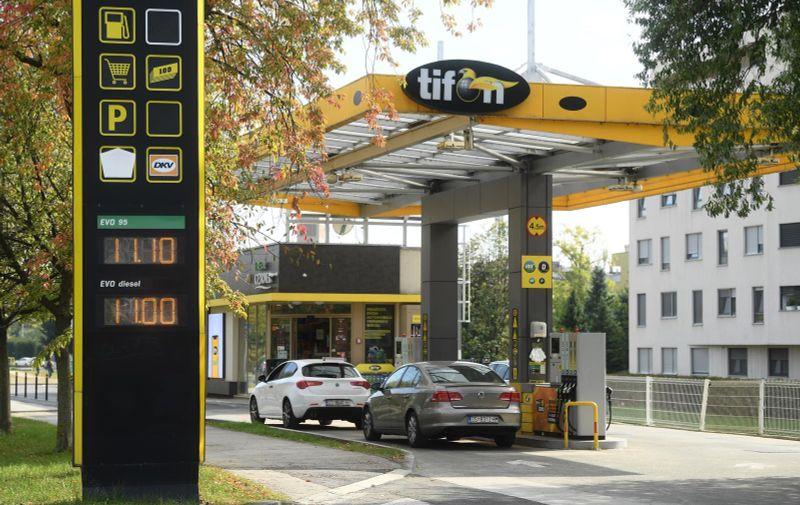16.10.2021., Zagreb - Pojacana posjecenost gradjana benzinskim postajama nakon sto je vlada zamrznula cijene goriva.