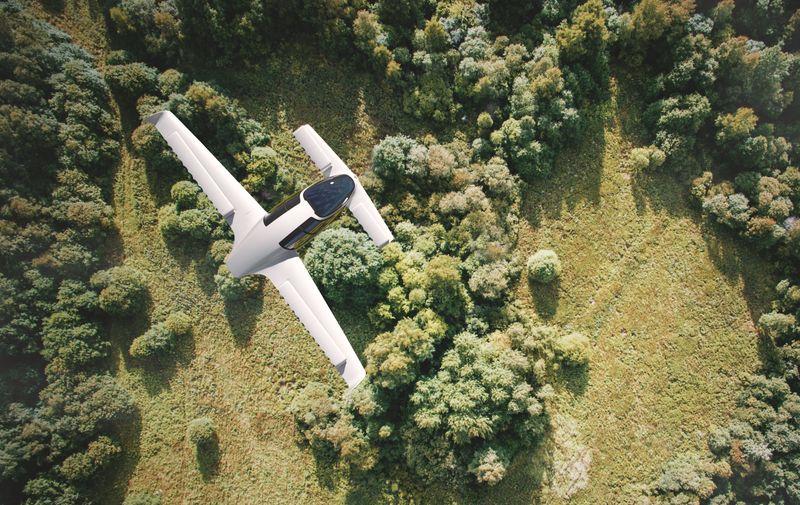 Dron usred leta