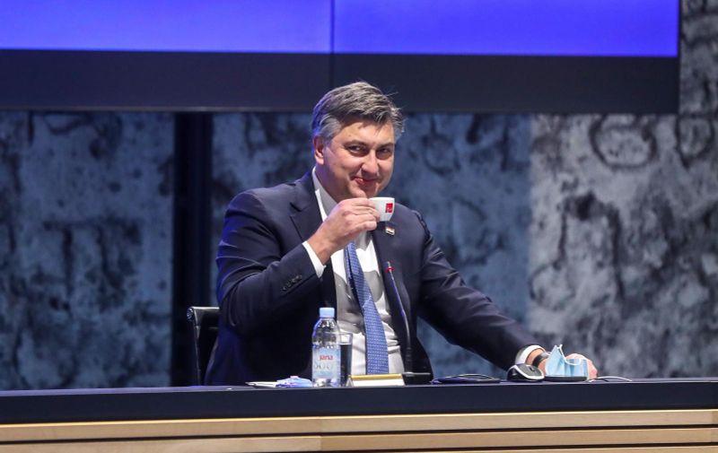 23.12.2020., Zagreb - Predsjednik Vlade RH Andrej Plenkovic na konferenciji za medije nakon sjednice Vlade na kojoj je usvojen plan uvodjenja, provodjenja i pracenja cijepljenja protiv koronavirusa. Photo: Zeljko Lukunic/PIXSELL
