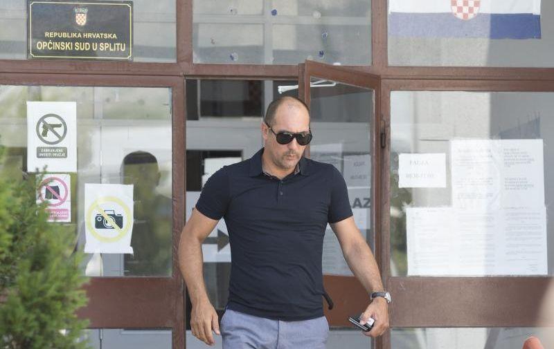 Igor Stimac izlazi iz Opcinskog suda u Splitu
