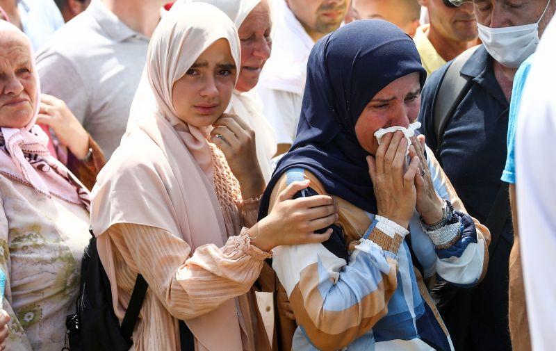 11.07.2021., Potocari, Bosna i Hercegovina - Nakon klanjanja dzenaze zavrsen je i ukop 19 novoidentificiranih zrtava genocida u Srebrenici. Photo: Armin Durgut/PIXSELL