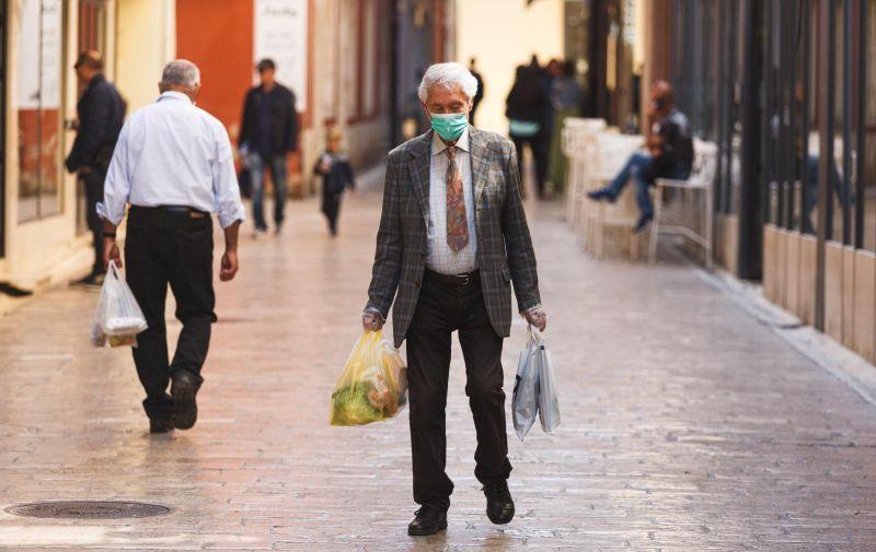 27.04.2020 Zadar -  Pocelo popustanje mjera koje su uvedene zbog pandemije korona virusa. Photo: Marko Dimic/PIXSELL