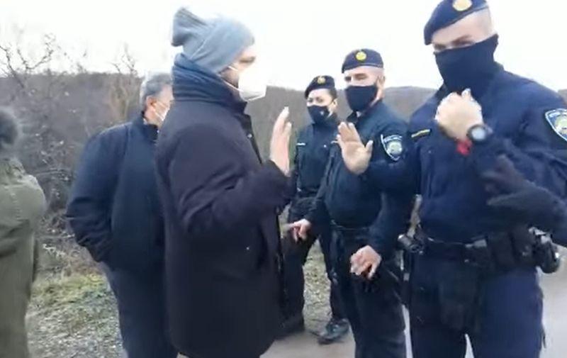 Policija iz BiH: Talijanska novinarka pokušala je ilegalno prevesti migrante  preko granice s Hrvatskom | Telegram.hr