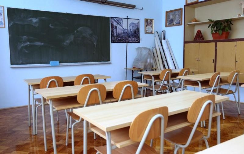 28.09.2015., Sibenik - Nastavlja se strajk u osnovnim i srednjim skolama.  Photo: Dusko Jaramaz/PIXSELL