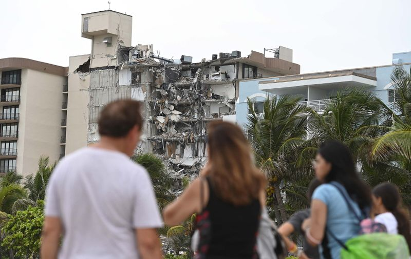 , Miami, FL - 20210625-Search and Recovery Continues for Missing Persons After the Surfside Condo Building Collapse  -PICTURED: General View (Surfside Condo Building Collapse) -,Image: 617994656, License: Rights-managed, Restrictions: , Model Release: no, Credit line: Profimedia