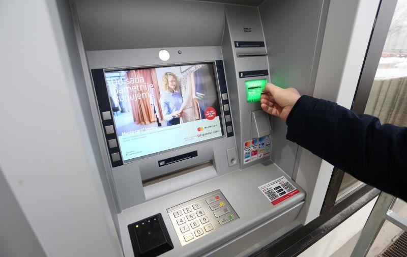 09.02.2018., Karlovac - Bankomat Zagrebacke banke.  Photo: Kristina Stedul Fabac/PIXSELL