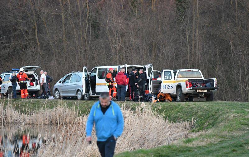 18.03.2020., Kaptol -  U jezeru kod Kaptola utopioo se djecak (14), ronioci i HGSS tragaju za tijelom.  Photo: Ivica Galovic/PIXSELL