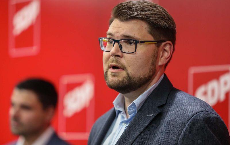 03.10.2020., Zagreb - U sjedistu SDP-a nakon unutarstranackih izbora predstavljen je novi predsjednik stranke Pedja Grbin. Photo: Jurica Galoic/PIXSELL