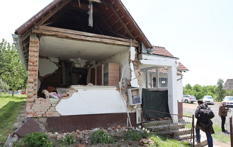 14.05.2021., Majske Poljane - Predsjednik Zoran Milanovic obisao je u potresu stradale Majske Poljane.  Photo: Marko Prpic/PIXSELL