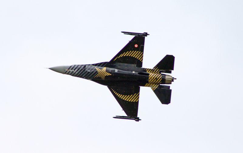 Turski F16