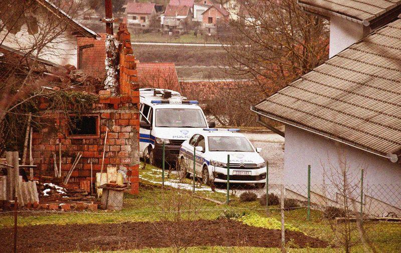 21.01.2021., Pakrac - Muskarac (71) bacio je bombu na tri radnika HEP-a koji su mu, navodno, došli iskljuciti struju. Dvojica su ozlijedjena i u bolnici, a treci radnik nije ozlijedjen. Photo: Ivica Galovic/PIXSELL