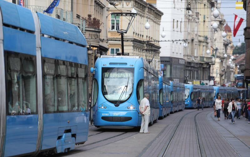 18.06.2019.,Zagreb - Zastoj  prometa na Trgu bana Jelacica zbog kvara tramvaja Photo:Patrik Macek/PIXSELL