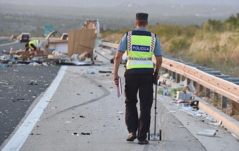 Teška prometna nesreća dogodila se na autocesti u smjeru Splita, na čvoru Pirovac.