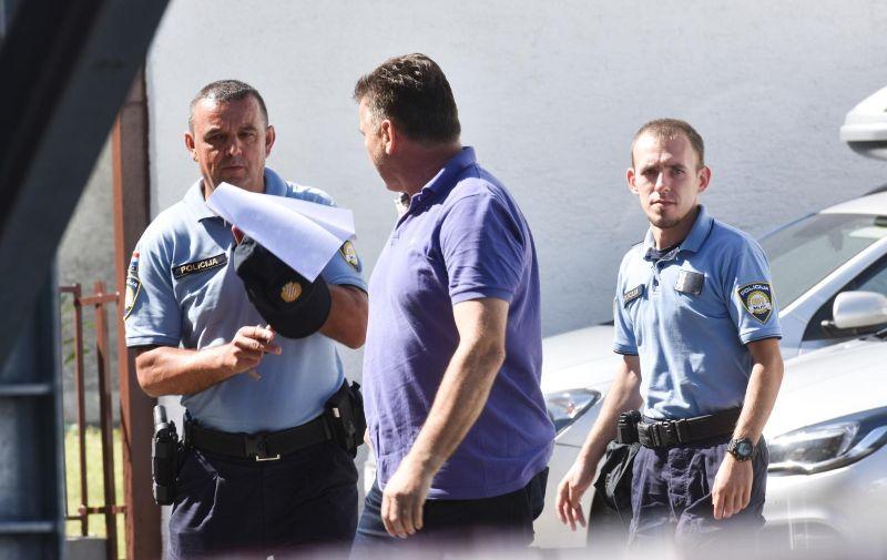 05.09.2019., Velika Gorica - Privodjenje Damira Skare, celnika AK Siget kojeg je zaposlenica prijavila za silovanje, na ispitivanje u Zupanijsko drzavno odvjetnistvo. Photo: Davorin Visnjic/PIXSELL