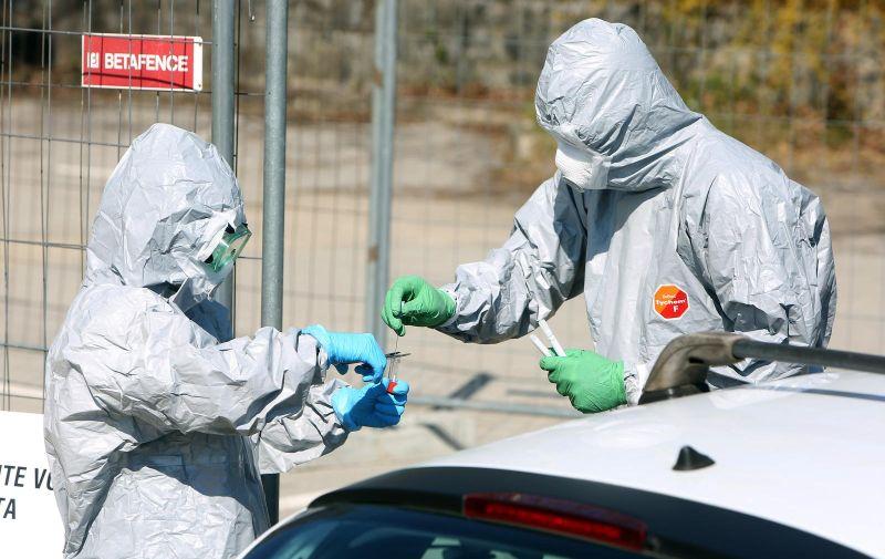 """02.04.2020., Karlovac - U Opcoj bolnici Karlovac otvoreno je  """"drive in"""" testiranje na koronavirus. Photo: Kristina Stedul Fabac/PIXSELL"""