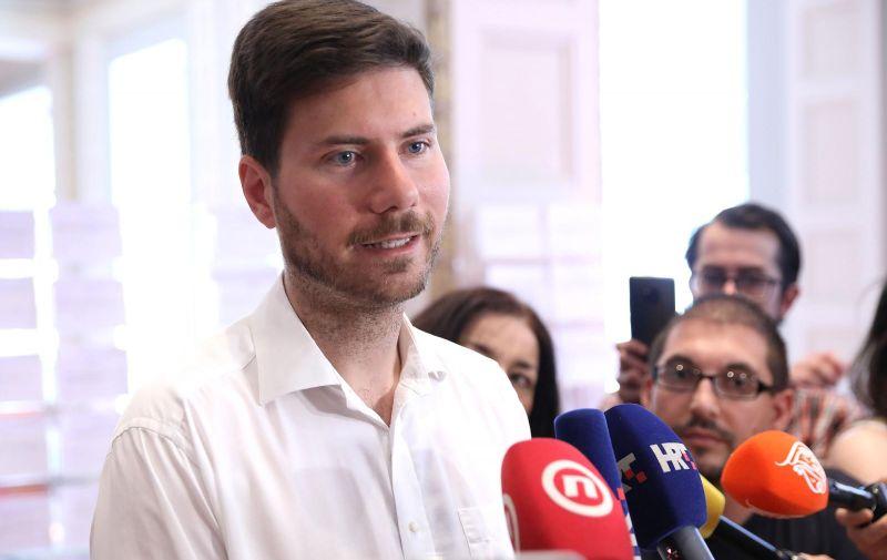 06.06.2019., Zagreb -Zastupnik Ivan Pernar odrzao je u Saboru konferenciju za medije i rekao da izlazi iz Zivog zida. Photo: