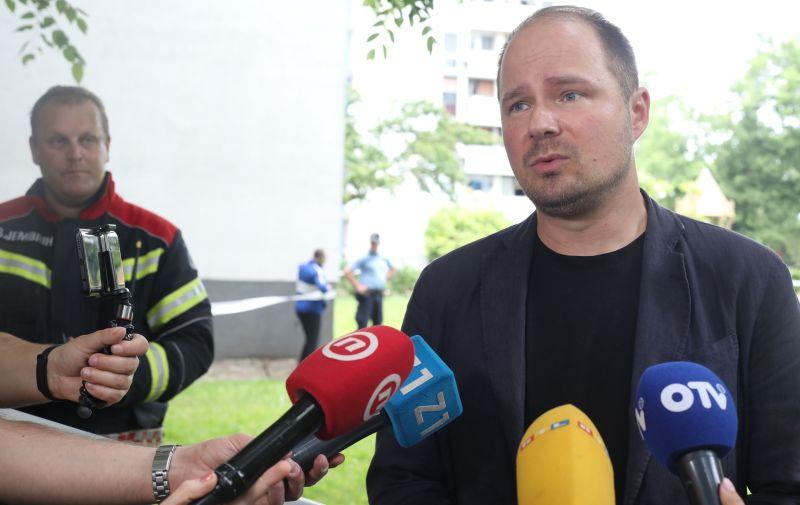 08.06.2021., Zagreb - Zamjenik gradonacelnika, Luka Korlaet, komentirao veliki pozar u Trnskom. Photo: Marin Tironi/PIXSELL