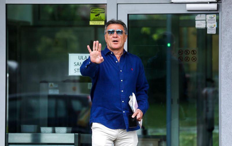 23.07.2019., Sarajevo, Bosna i Hercegovina -  Nakon rocista na kojem se razmatrao zahtjev za izrucenje, Zdravko Mamic trceci je pobjegao od novinara. Photo: Armin Durgut/PIXSELL