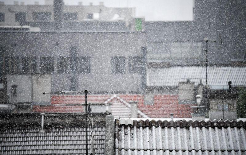 06.04.2021., Zagreb  - Najavljivana promjena vremena pracena gustim snijegom stigla u Zagreb.  Photo: Josip Regovic/PIXSELL
