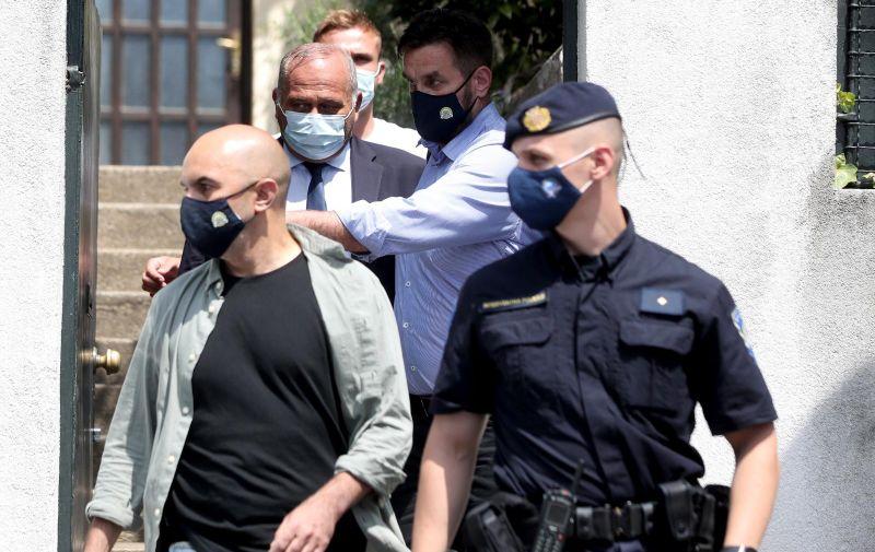 Telegramu je potvrđeno da je u akciji uhićen i bivši vlasnik Tvornice električnih žarulja Milan Lončarić. Policija je danas pretresala kuću Kazimira Bačića koja se nalazi na Tuškancu, , a nešto prije podneva Bačić je napustio dom u pratnji istražitelja.