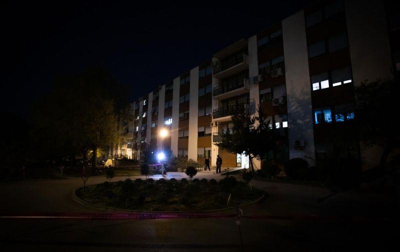 07.04.2020., Split - Dom za starije i nemocne evakuiran je nakon sto je otkriveno da je deset korisnika doma pozitivno na koronavirus. Photo: Milan Sabic/PIXSELL