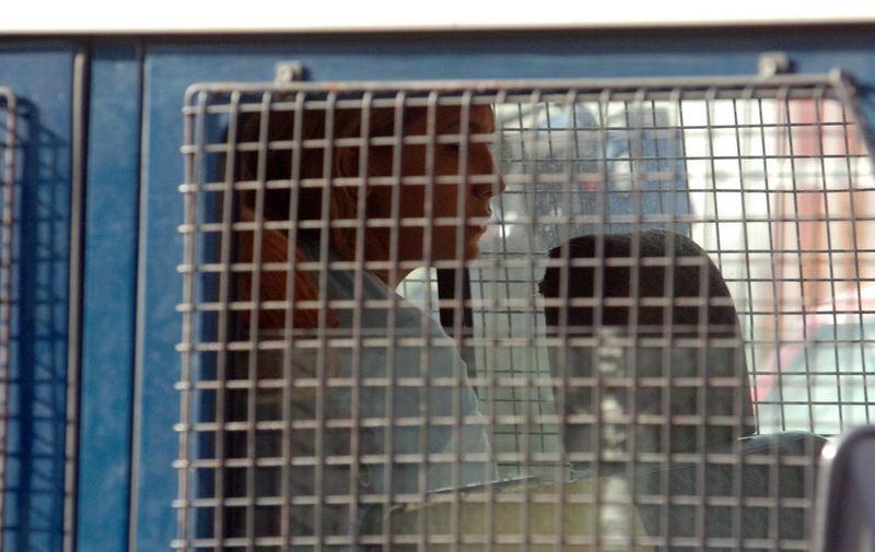 21.11.2008 Makedonija, Skopje - U sinjocnoj raciji u Skoplju uhicene su ulicne prostitutke i po odluci suda odvedne su u bolnicu na testiranje na sidu. Photo: Stringer1234/Pixsell