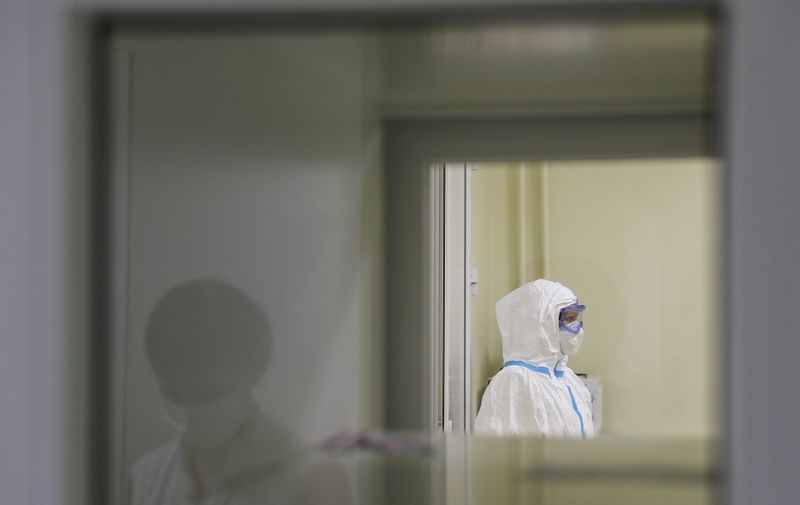 MOSCOW, RUSSIA - NOVEMBER 20, 2020: A medical staff member works at Moscow's Infectious Diseases Hospital No 2 which treats COVID-19. Sergei Savostyanov/TASS,Image: 570697844, License: Rights-managed, Restrictions: , Model Release: no