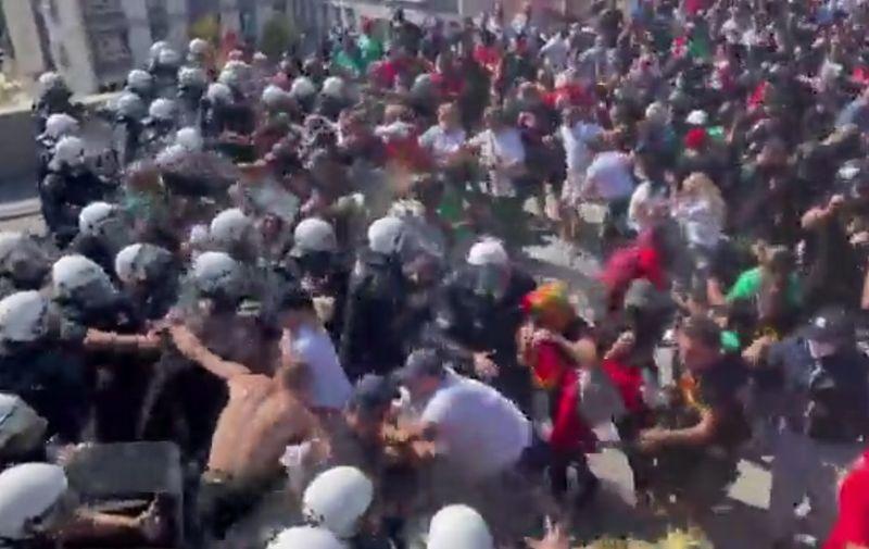 Neredi u Crnoj Gori, velik sukob policije i prosvjednika protiv ustoličenja  mitropolita   Telegram.hr