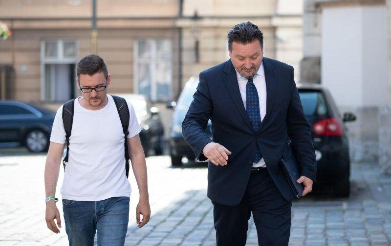 27.06.2019., Zagreb - 163. sjednica Vlade RH. Dolazak ministara. Telegramov novinar Andrej Dimitrijevic, Lovro Kuscevic. Photo: Davor Puklavec/PIXSELL
