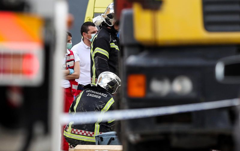 15.05.2021., Zagreb - Muskarac je preminuo nakon sto ga je u oko 13 sati zatrpala zemlja dok je kopao kanal. Na mjesto nesrece odmah su stigli vatrogasci i Hitna pomoc, ali nisu ga uspjeli spasiti. Photo: Luka Stanzl/PIXSELL