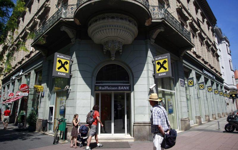 22.07.2009. Zagreb, Hrvatska - Jurisiceva ulica, poslovnica Raiffeisen banke. Photo: Marin Tironi/24sata