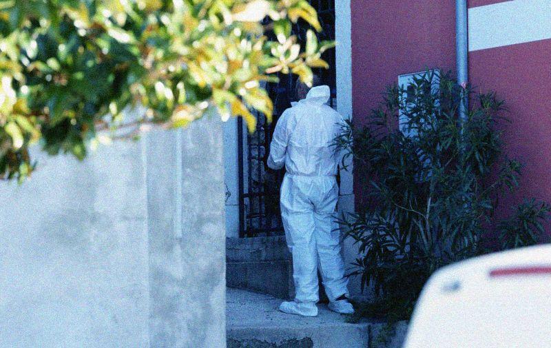 14.02.2020., Mali Losinj - Policijski ocevid u kuci u kojoj se dogodilo ubojstvo zenske osobe Photo:Goran Kovacic/PIXSELL