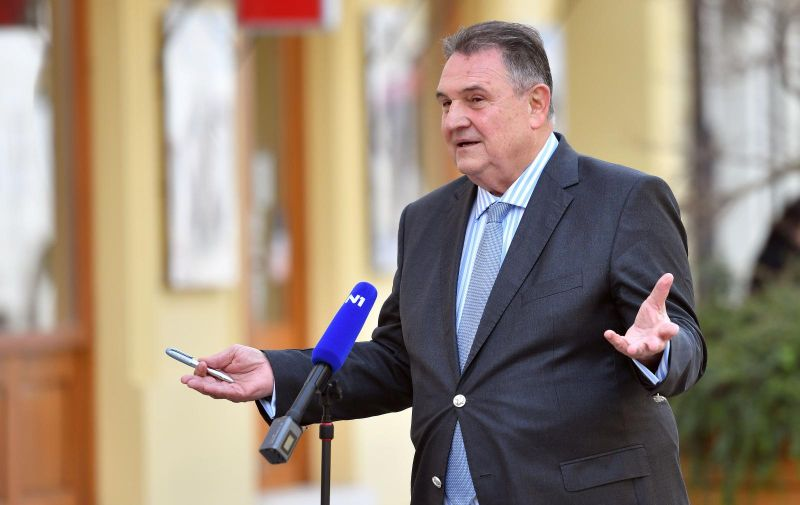 10.03.2021., Varazdin - Nakon izjave za N1 televiziju, župan Radimir Cacic otisao pozdraviti SDP-ovce.  Photo: Vjeran Zganec Rogulja/PIXSELL