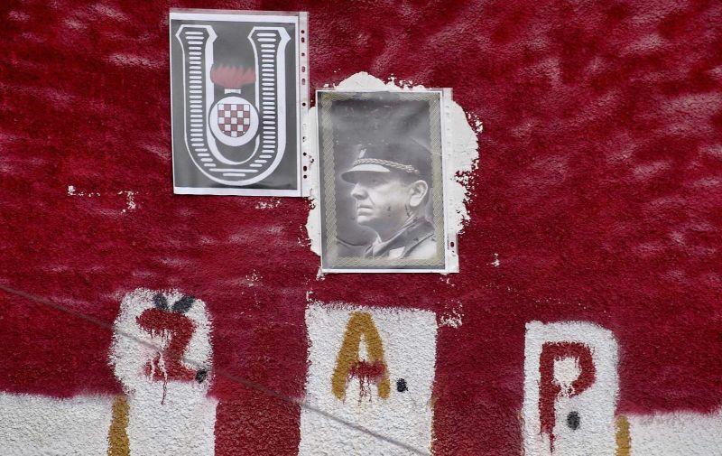24.09.2008., Petrinja - Ustaski simboli na fasadi kuce u Petrinji. Photo: Miroslav Santek/Vecernji list